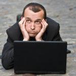 Le présentéisme, favorisé par un niveau de stress important, coute plus cher que l'absentéisme…